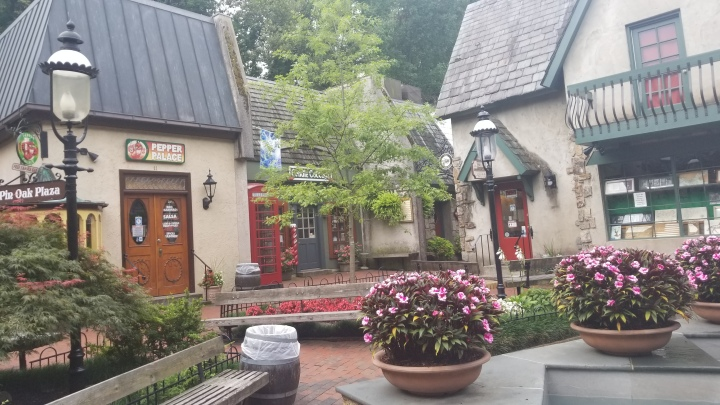The Shops at the Village{Tennessee}