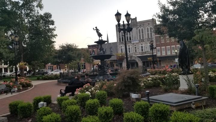 Bowling Green Fountain Square{Kentucky}